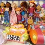 בובות מיוחדות תותי במושב