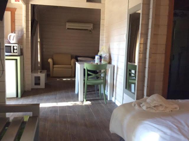 הוילג' מלון מטיילים על הירדן 12