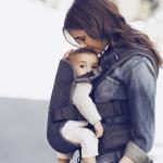 היתרונות של נשיאת תינוק במנשא – בייביביורן
