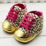 נעליים ספורט מנומר
