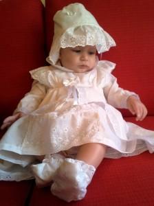מורן אייזנשטיין ממליצה לאתר emush על שמלה לברית או לבריתה