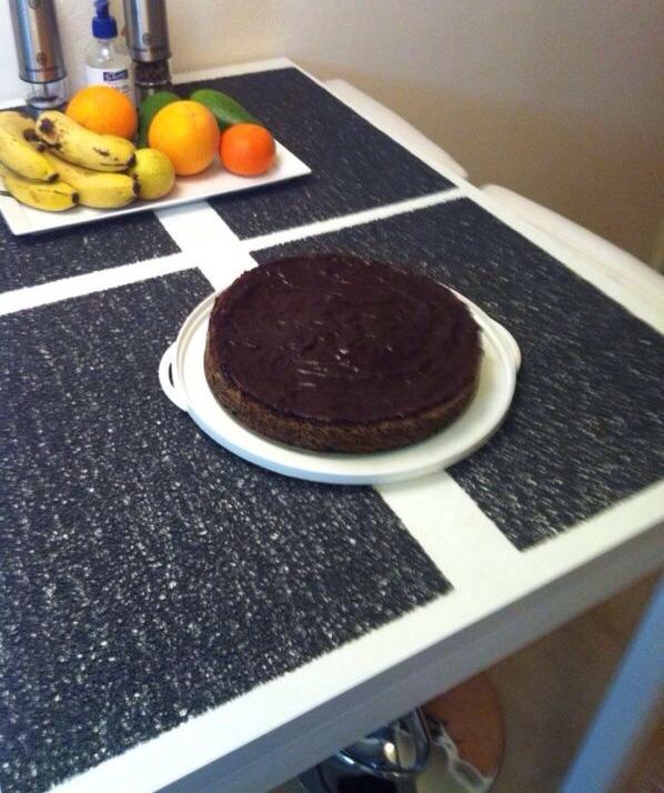 עוגת פרג אגוזים ושוקולד ללא קמח