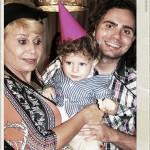 שרה אייזנשטיין סבתא גאה לאריאל הגיעה לחגוג עם מורן אייזנשטיין וקרובים